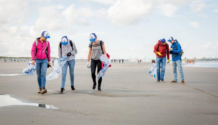 310 kilo afval van strand gehaald tijdens WNF-etappe Beach Clean Up Tour