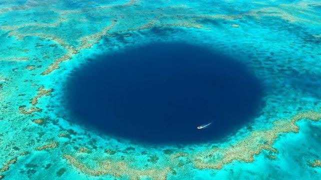 Nieuwe onderwatergrot in Great Barrier Reef