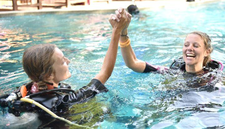 Van Divemaster in de kikkerkou naar de PADI duikinstructeur (IDC) opleiding op tropisch Koh Tao – Deel 1