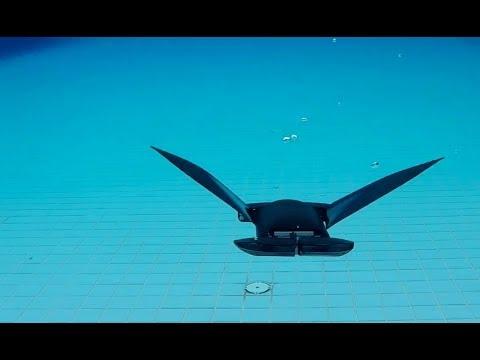 Onderwaterrobot die zwemt als een manta