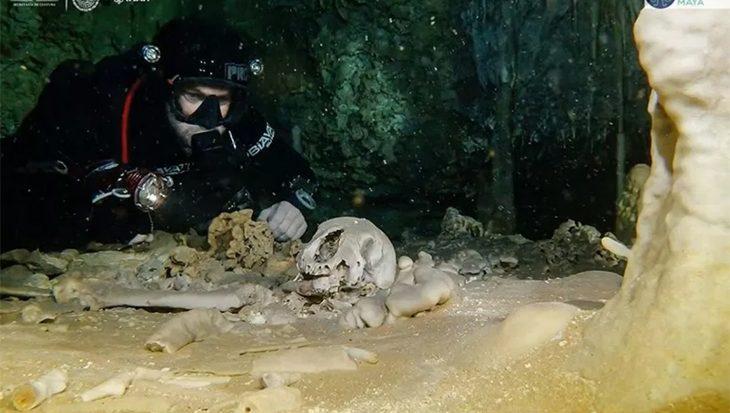 Heiligdom van de Maya's ontdekt in 's werelds langste onderwatergrot