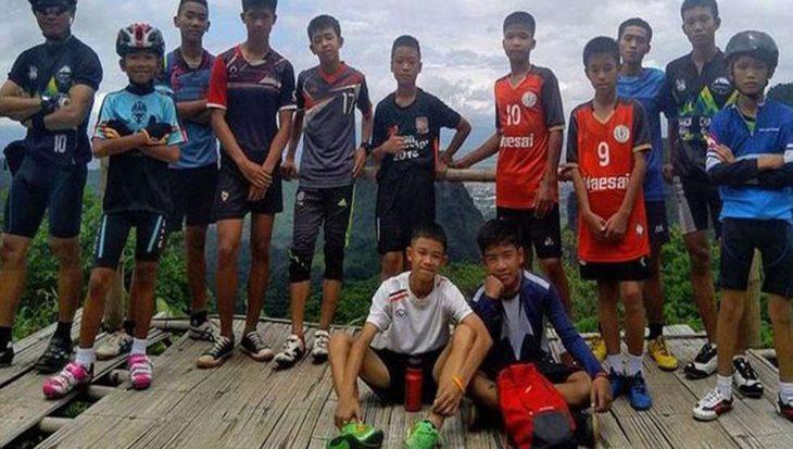 Geweldig nieuws: alle 12 jongens en coach gered uit grot