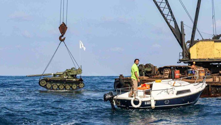 Libanon dumpt oude tanks op zeebodem