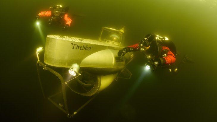 Ursuit droogpak VS. onderzeeboot