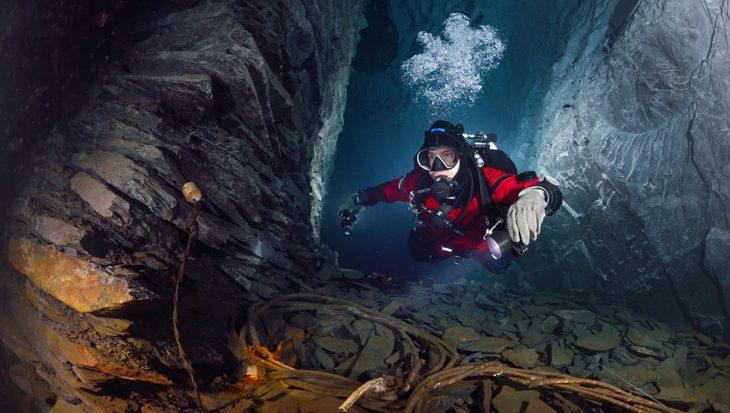 Een droogpak voor technisch duiken