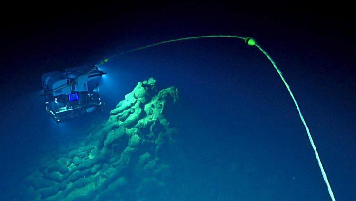 Diepste onderzeese eruptie ooit ontdekt