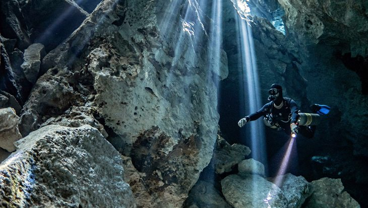 Duiken in de onderwereld van de Maya's