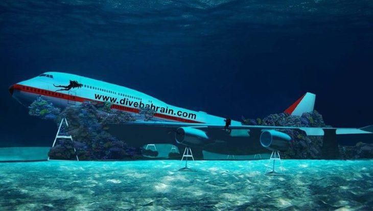 Bahrein laat Boeing 747 afzinken om onderwaterpark te realiseren