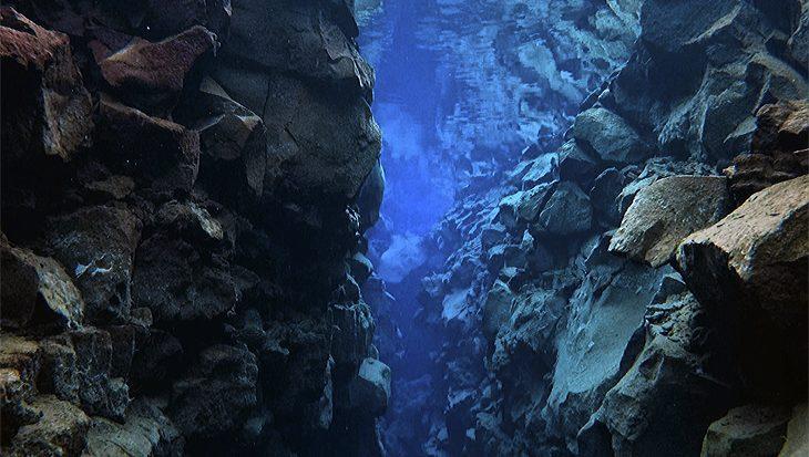IJsland Silfra kloof, zicht van meer dan 100 meter