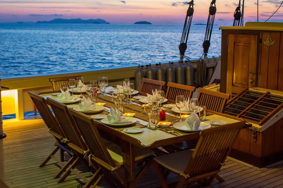 Raja Laut Komodo DUIKEN lezersreis diner