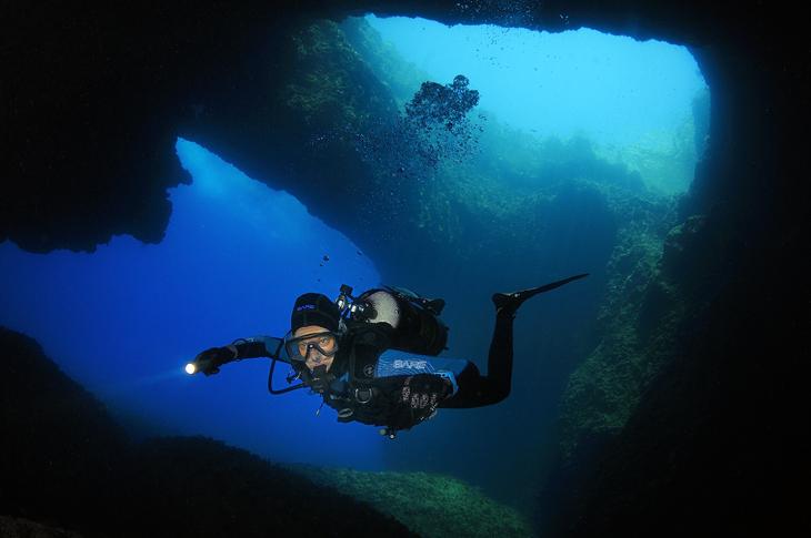 gozo blue hole malta