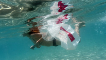 Plastic soup plastic soep Greece:plastics garbage in m Mediterranean Sea/ Photo Milos Bicanski