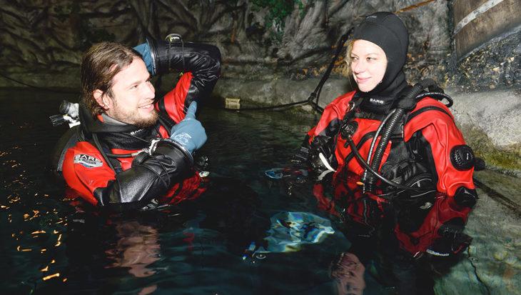 Goed leren duiken in een droogpak