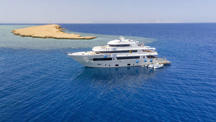 De Red Sea Explorer bied trips naar de mooiste duikstekken van de Rode Zee