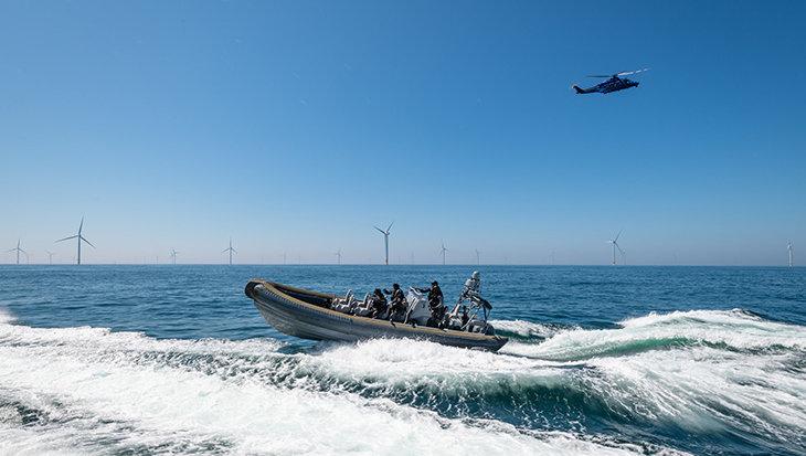 Clean up in de Noordzee leidt tot entering door zwaarbewapende politie-eenheid