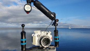 Olympus PEN E-PL10 met AOI UH-EPL10 onderwaterhuis