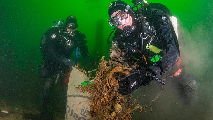 Expeditie Helgoland, meer dan 3500kg plastic en visnetten verwijderd